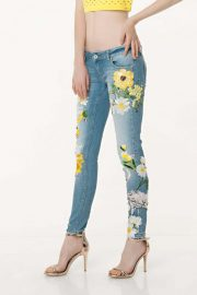 JEANS BORDADOS AMARILLO 2