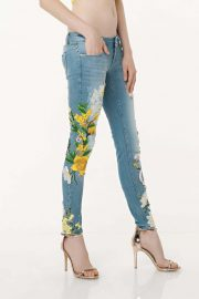 JEANS BORDADOS AMARILLO 4